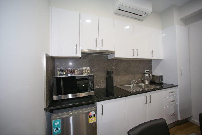 jesmond executive villas large studio apartment kitchen